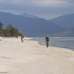 Pedaland pe plaja din Gili Air