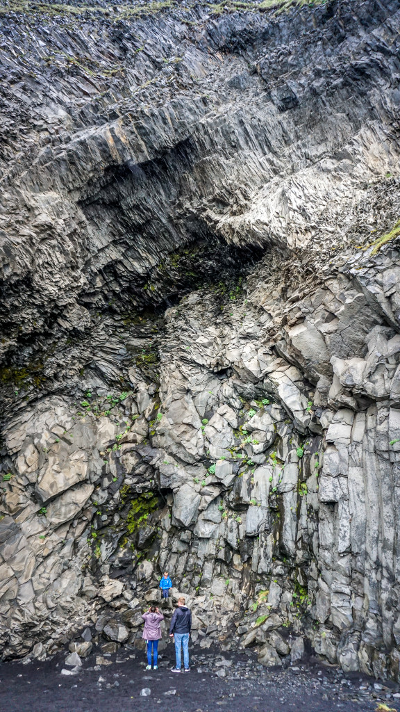plaja nisip negru (1)