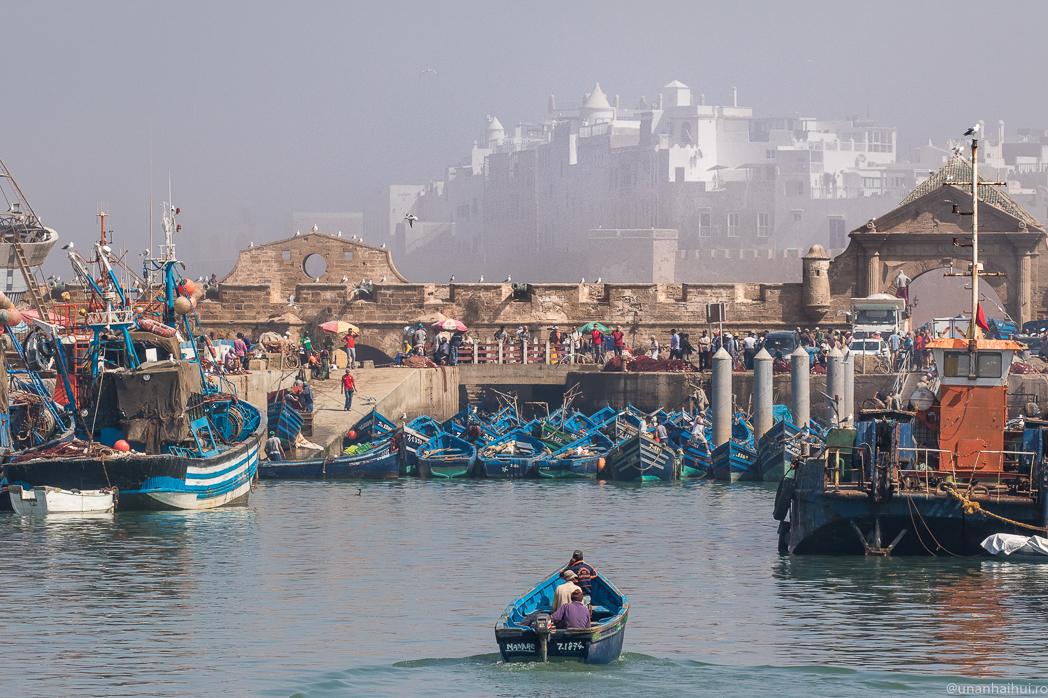 Femeia care cauta omul Essaouira